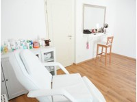 La Mature (3) - Beauty Treatments