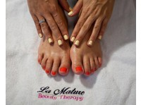 La Mature (5) - Beauty Treatments