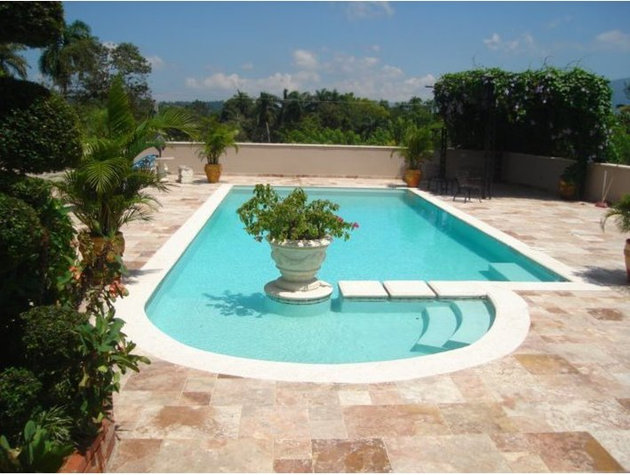 Paradise Pools - Building & Renovation