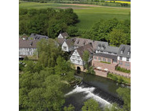 Romantik Hotel Neumühle - Hotels & Jeugdherbergen