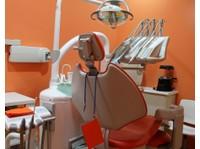 Clínica Dental Villaverde Alto (5) - Dentistas