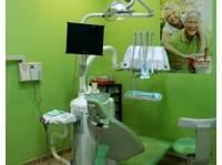 Clínica Dental Villaverde Alto (6) - Dentistas