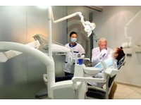 Clínica Dental Conde Duque (4) - Dentistas