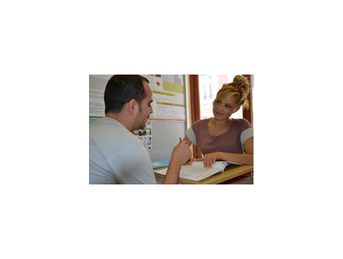 Escuela de idiomas Idiomas247 - Escuelas de idiomas