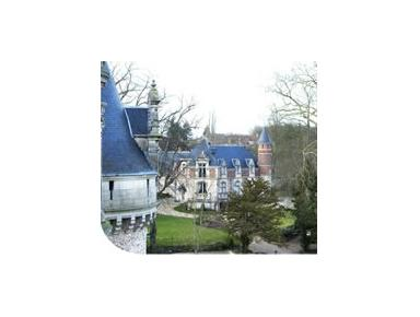 Chateau d'Esclimont - Hotels & Hostels