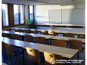 F+U Academy of Languages (2) - Language schools