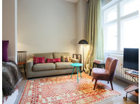 Crocodilian (5) - Serviced apartments