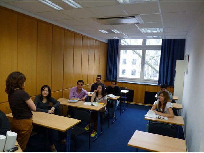 Schiller Language School OHG - Erwachsenenbildung