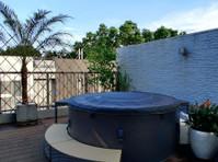 Tropic Import Limited (8) - Swimming Pools & Baths