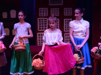 DramaWorks English Language Theatre School (2) - Music, Theatre, Dance