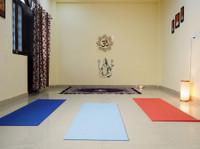 Yoga Teacher Training in India - Bodhi Yoga (1) - Gimnasios & Fitness