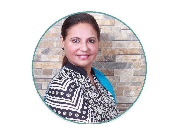 Ivf Specialist Dr. Rita Bakshi | Surrogcay Expert - Alternative Healthcare