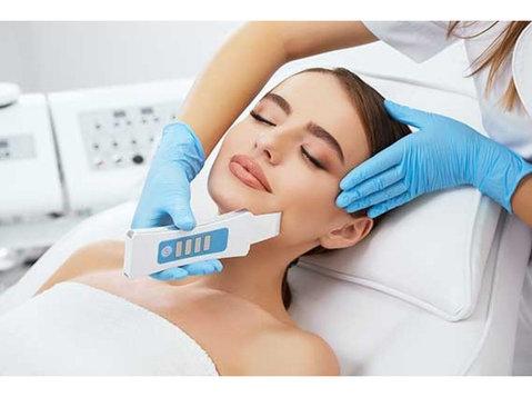 Skin Clinic Gurgaon | Dermatologist, Cosmetologist Gurgaon - Hospitals & Clinics