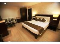 Hotel Komfort Terraces Bangalore (2) - Hotels & Hostels