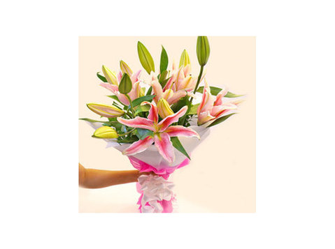Spring Blossoms Flower Shop - Regalos y Flores
