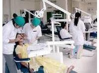 Dentique (2) - Dentists