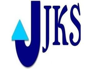 Jks Hotel - Hotels & Hostels
