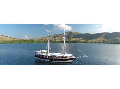 Liveaboard Duyung Baru Komodo - Travel Agencies
