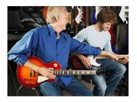 Guitar Lesson Dublin (3) - Music, Theatre, Dance