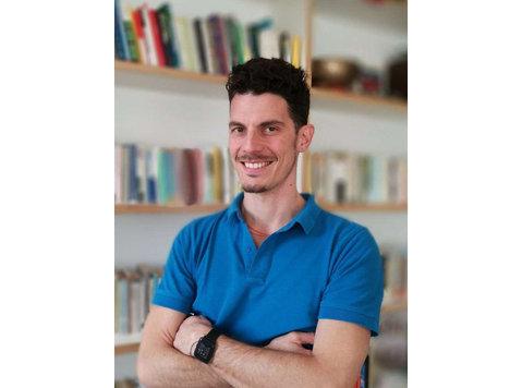 Dott. Luca Viganò Fisioterapista e Terapista Manuale - Medici