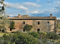 Toscana Houses Real Estate wtwork (1) - Servizi immobiliari