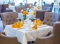 Grand Majestic Hotel Kuwait (7) - Hotels & Hostels