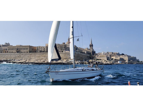 Sailing School Malta - Jachten & Zeilen