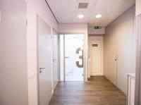PHP Tandartsen -  Dentist The Hague Center (8) - Dentists