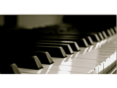 English Piano Lessons - Music, Theatre, Dance