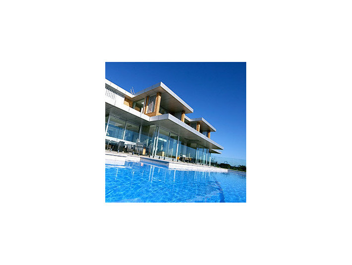 NZ Glass - Swimming Pool Fencing - Swimming Pool & Spa Services