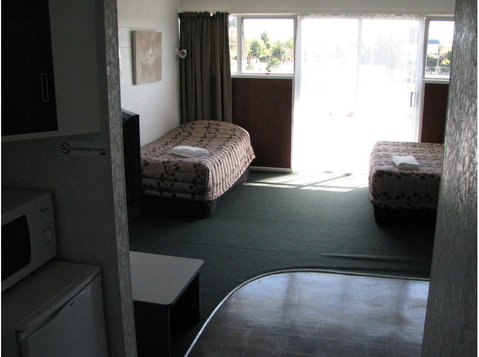 hotels and motels rotorua - Hotels & Hostels