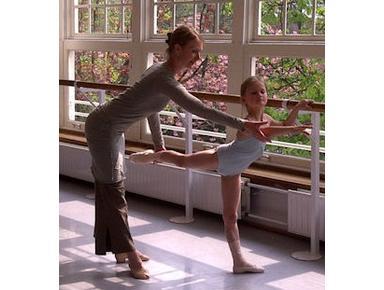 Balletstudio Marieke van der Heijden - Music, Theatre, Dance