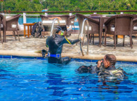 Edgewater Dive & Spa Resort Inc. (2) - Hotels & Hostels