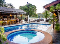 Edgewater Dive & Spa Resort Inc. (4) - Hotels & Hostels