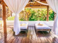 Edgewater Dive & Spa Resort Inc. (7) - Hotels & Hostels