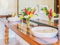 Edgewater Dive & Spa Resort Inc. (8) - Hotels & Hostels