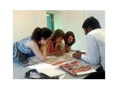 Lingua Seasons language Center - Oбучение и тренинги