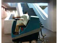 Umzugsreinigung mr. clean AG Reinigungsfirma & Büroreinigung (2) - Cleaners & Cleaning services