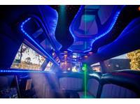 City Slickers Limousines (5) - Car Rentals