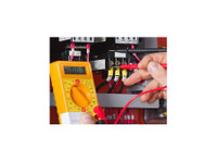 Petercon Plumbers & Construction Projects (5) - Electricians