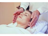 Free Spirit Life Coach & Energy Therapist (4) - Alternative Healthcare