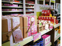 Holland & Barrett (4) - Shopping