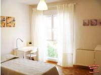 Madrid Rooms and Apartments (7) - Accommodation services