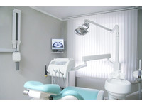 Cisne Dental Clinic (3) - Dentists