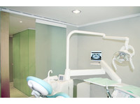 Cisne Dental Clinic (6) - Dentists