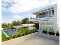 IMMOSERVICE - we verkopen vastgoed met service (8) - Makelaars