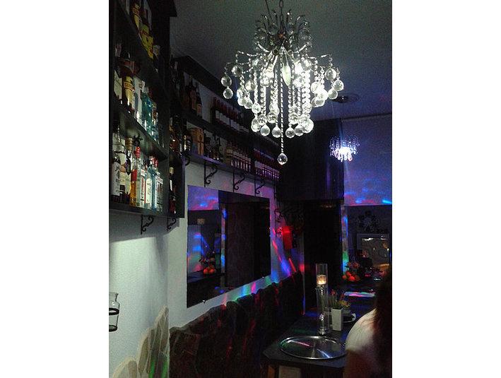 Bodega 4 - Bars & Lounges