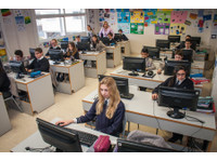 Laude Lady Elizabeth School (8) - International schools