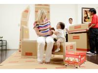Crown Relocations (1) - Déménagement & Transport