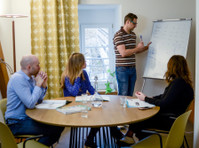 VOX-Sprachschule (2) - Adult education